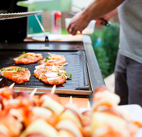 ¡Disfruta de un rico asado con estos simples cuidados a tu parrilla!